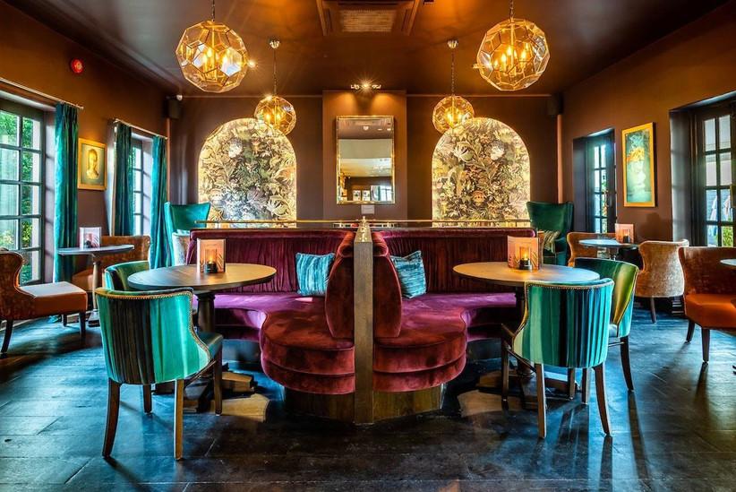 Art deco style dining area