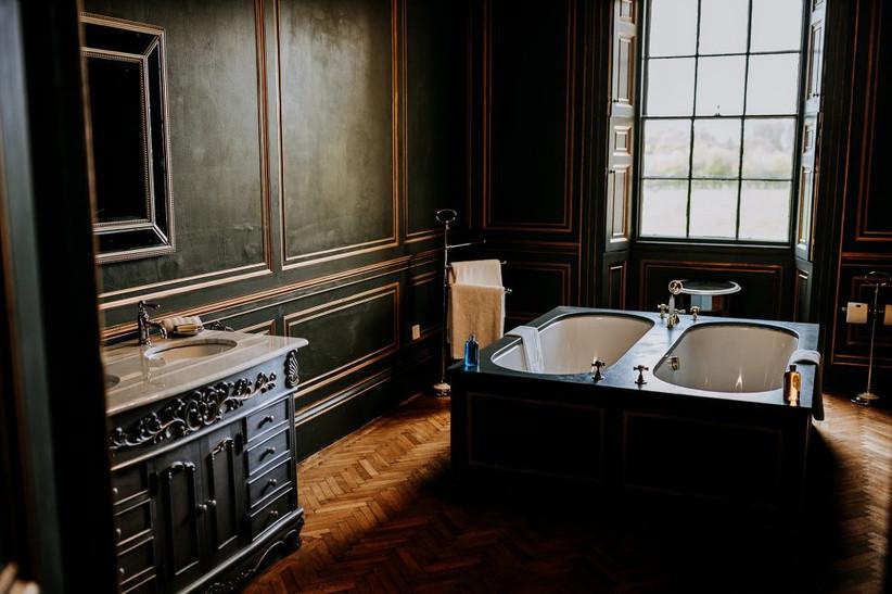 Bathroom at Rise Hall bridal suite