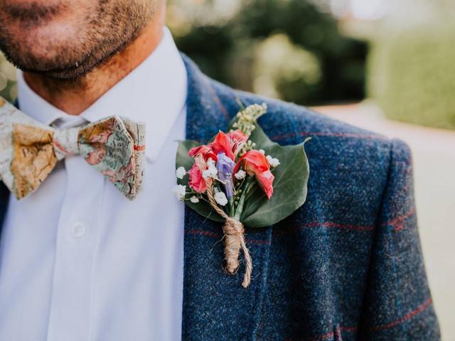 Your Guide to Wedding Buttonholes (Plus 28 Unique Ideas)