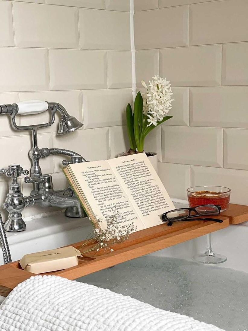 Wooden bath board