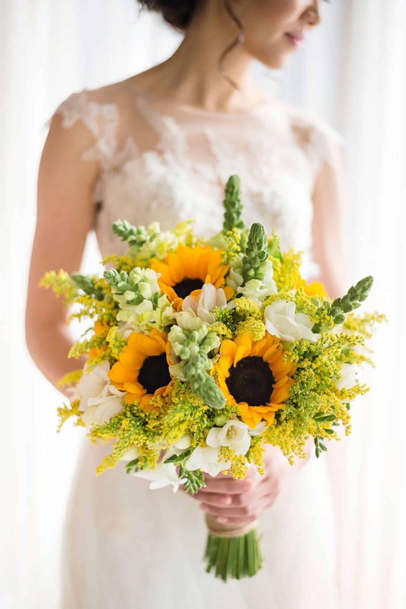 22 Stunning Sunflower Wedding Bouquet Ideas