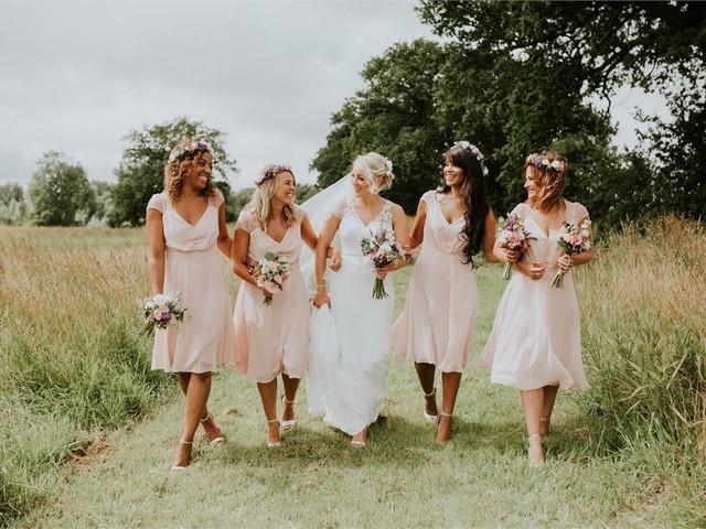 24 Wedding Photos You Need to Capture