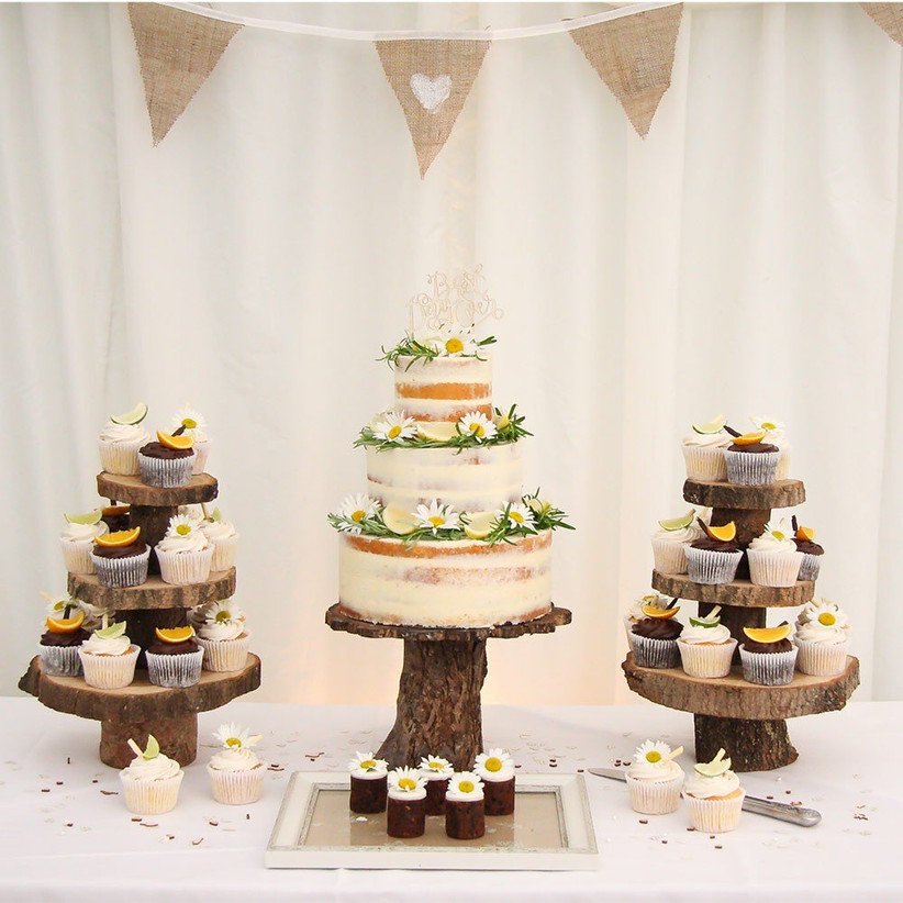 Chocolate Wedding Cakes 19 Delicious Creations Hitched Co Uk