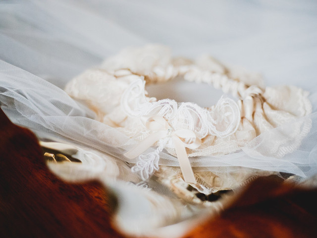 Wedding Garter: 21 Unique Styles to Shop and Everything You Need to Know About the Tradition