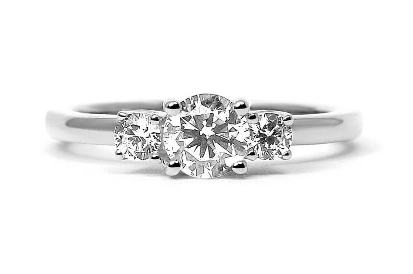3. white-gold-engagement-rings-aphrodite-diamond-not-on-the-high-st