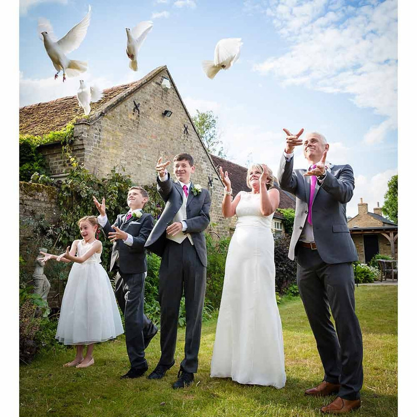 doves-at-weddings