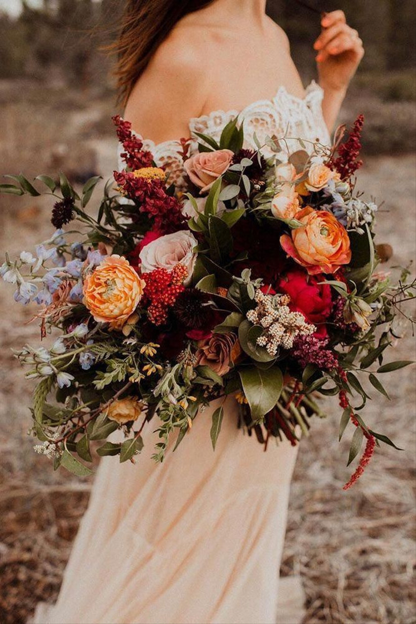 Updating Your Wedding to a Different Season
