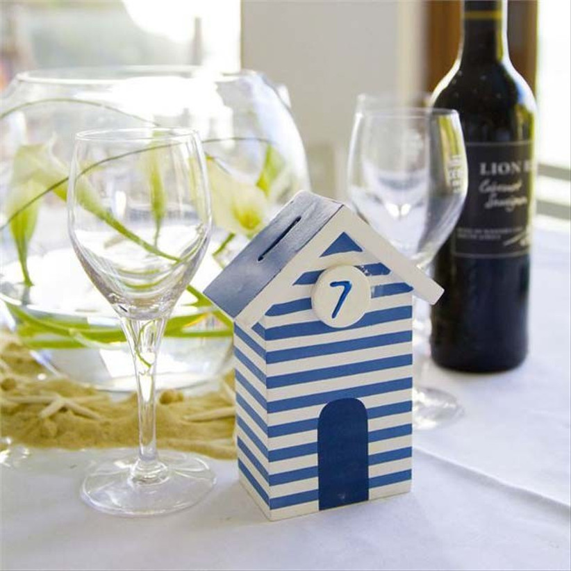beach-themed-centrepieces-at-abbie-and-ralphs-real-wedding