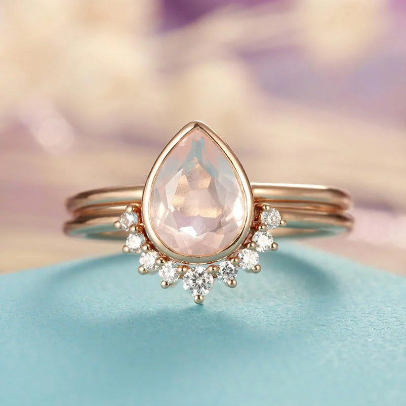 rose-gold-and-rose-quartz-ring