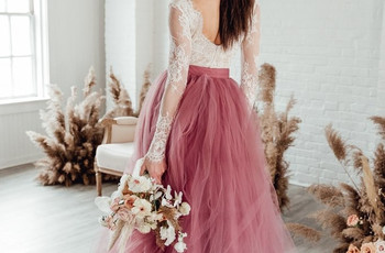 How to Shop & Try on Wedding Dresses & Bridesmaid Dresses from Home