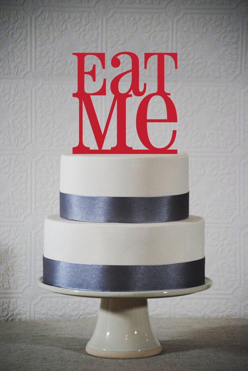 awesome-wedding-cake-toppers-for-tv-and-film-buffs-alice-in-wonderland-cake-topper