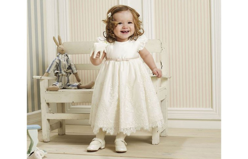 white-lace-flower-girl-outfit