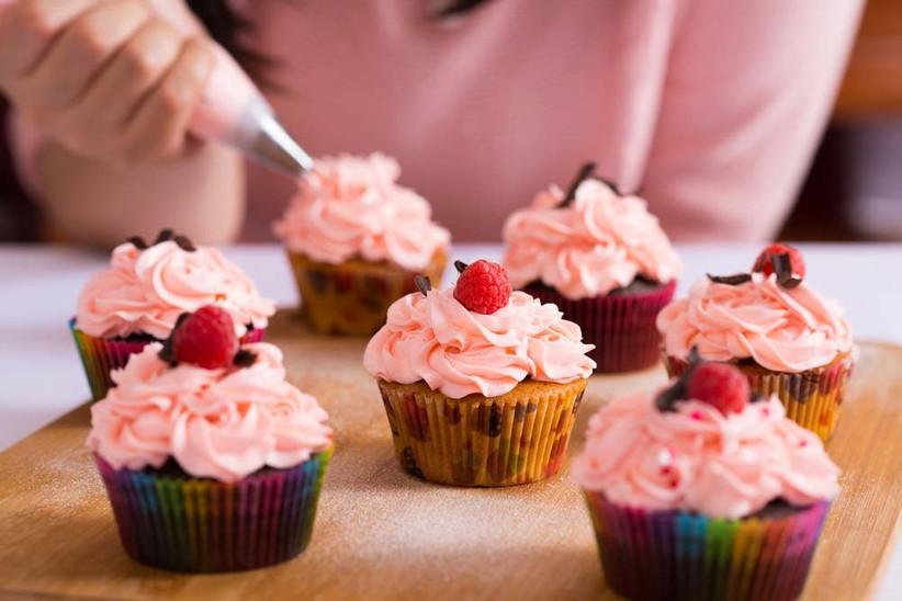 grab-the-bridal-party-for-an-afternoon-of-baking-vintage-recipes-2