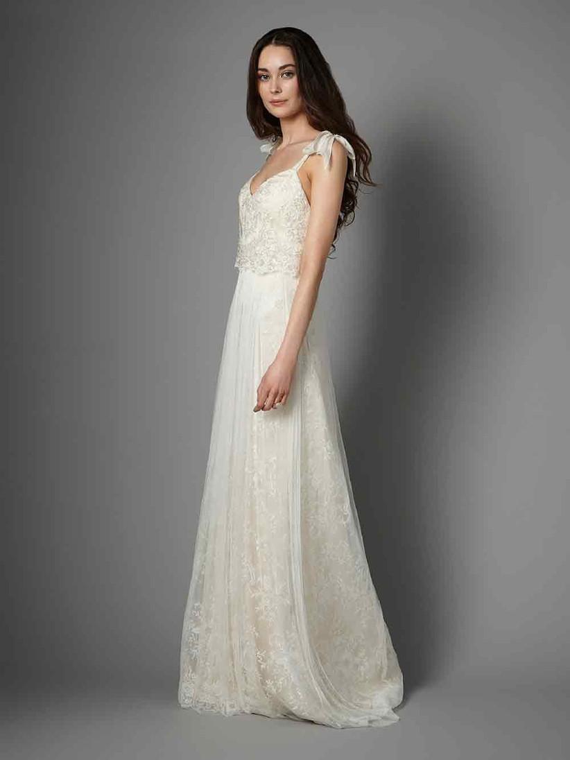 bow-detail-wedding-dress