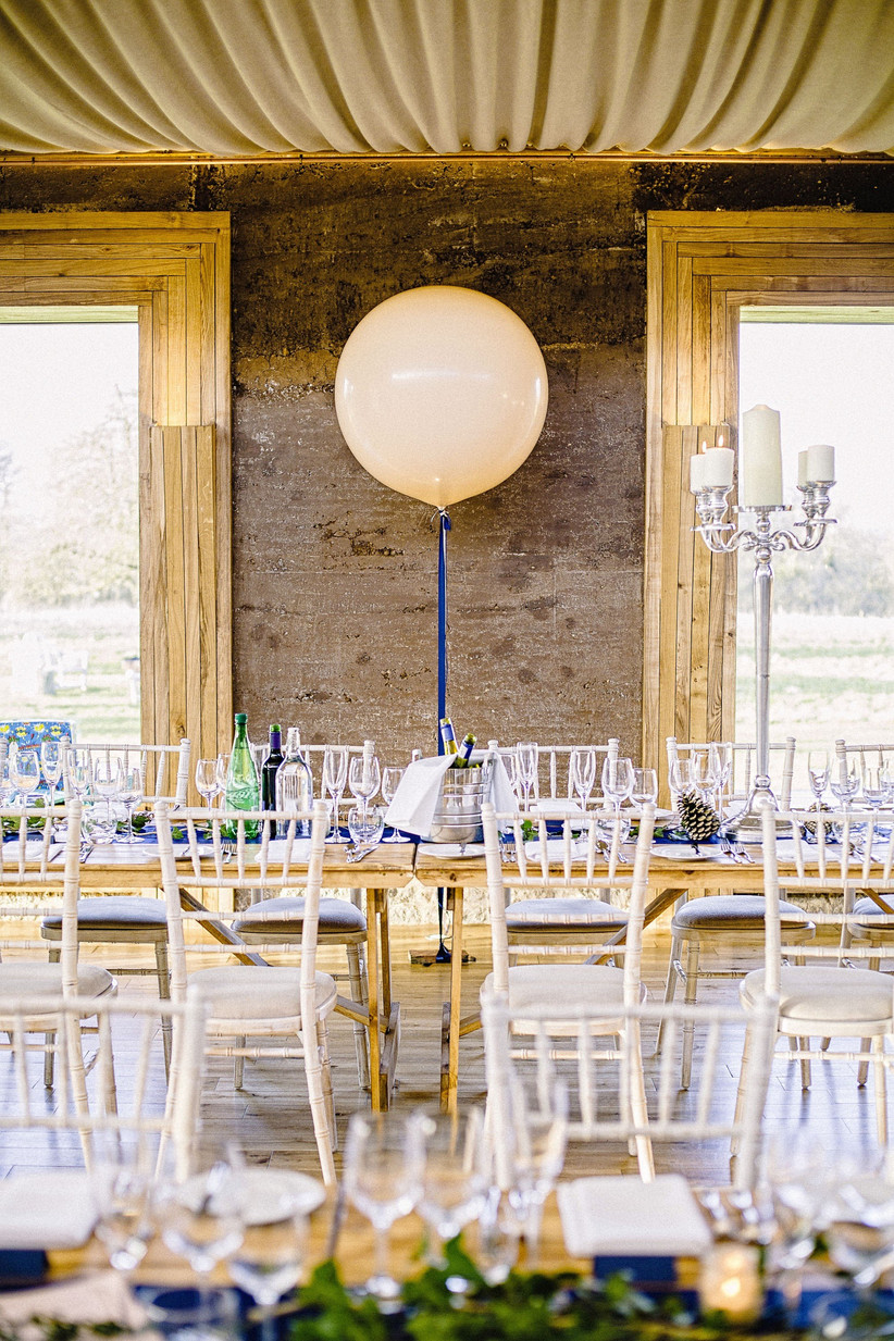 dont-mess-with-the-decor-18-rules-all-wedding-guests-need-to-follow