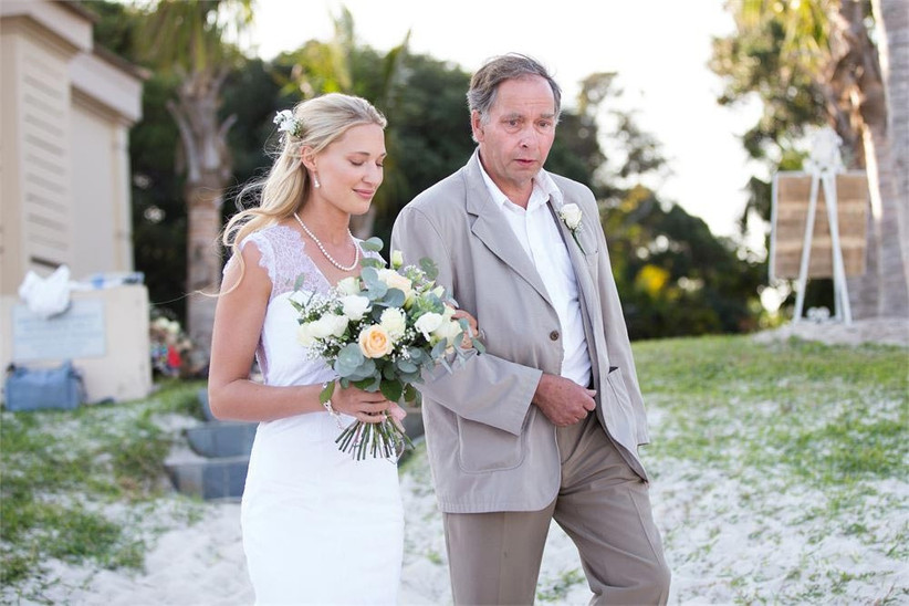father-of-the-bride-and-bride-walking-down-the-aisle-4