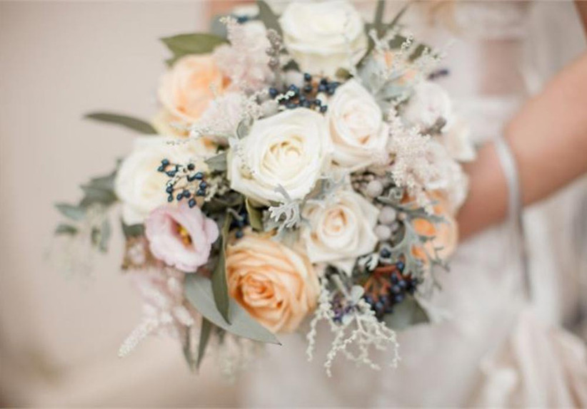wrap-and-tie-floral-wedding-bouquet-rustic-themed