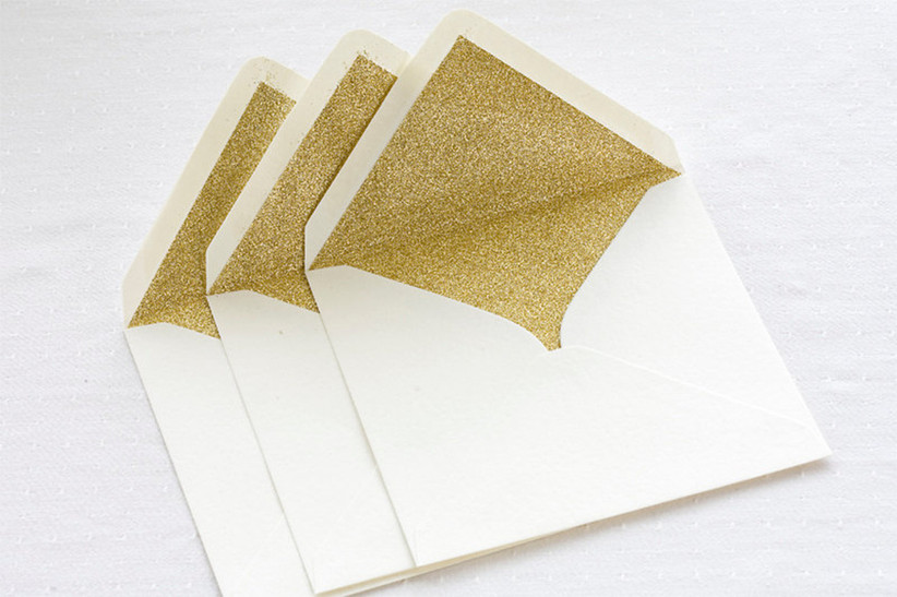 the-wedding-invitations-glitter