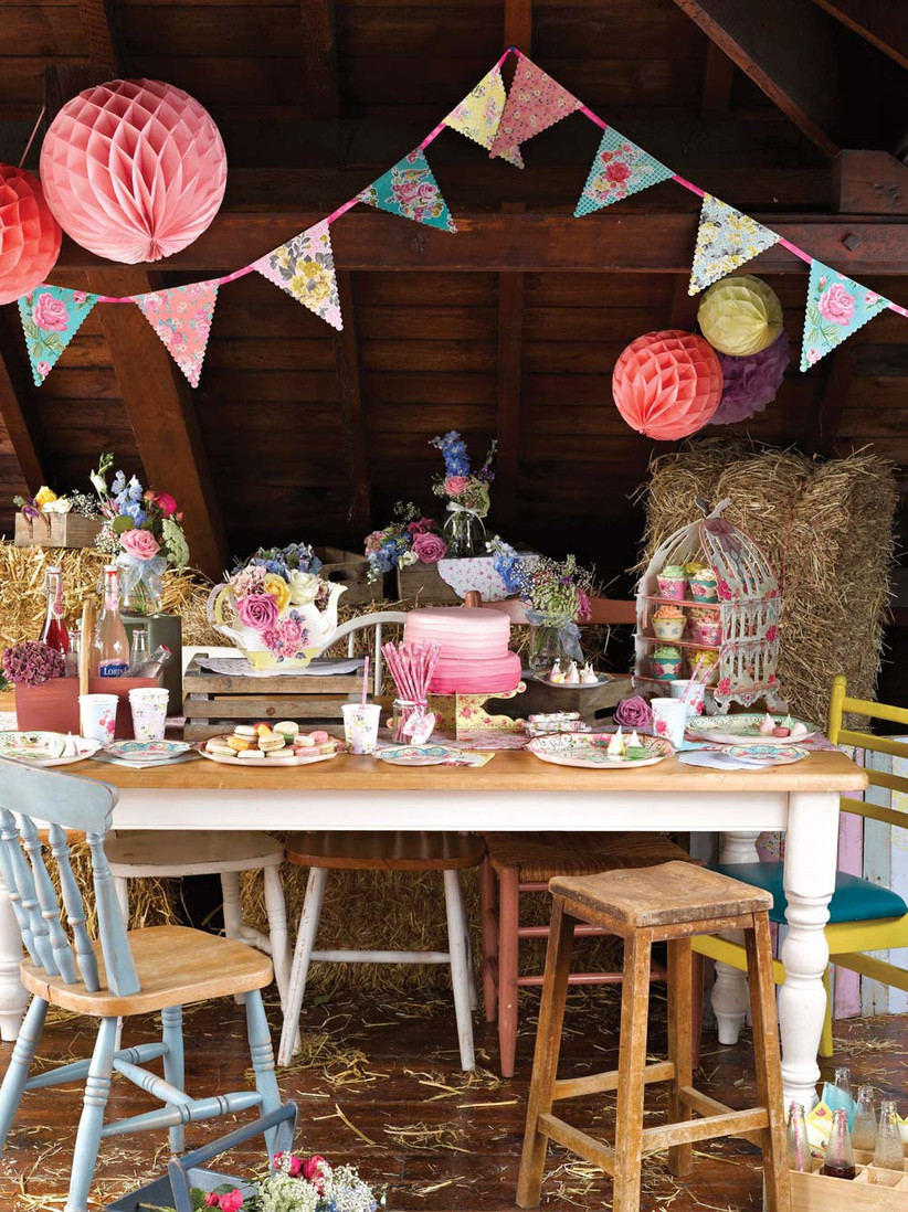Accessories for a DIY vintage tea party from Party Pieces