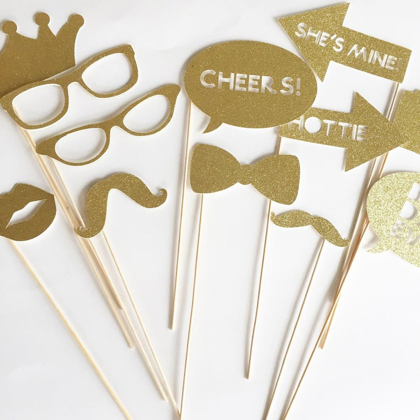glittery-photo-booth-props
