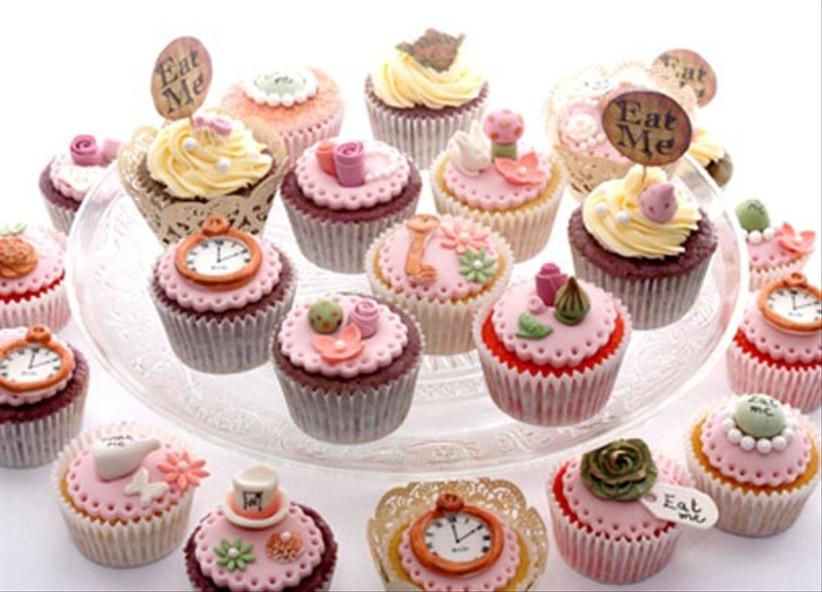 alice-in-wonderland-themed-wedding-cupcakes