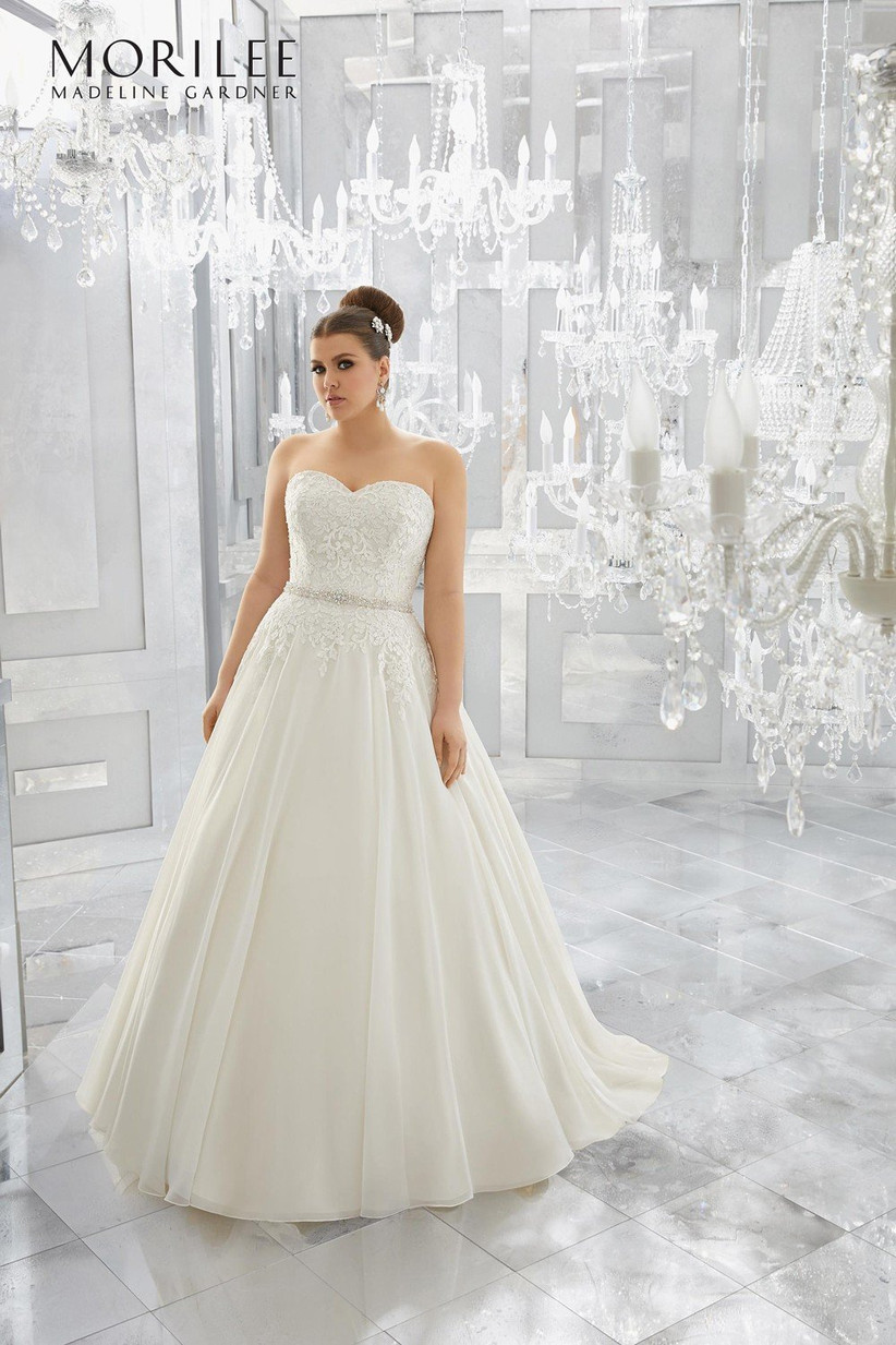plus-size-wedding-dresses-10