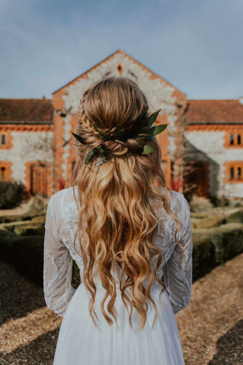 Best wedding hairstyles for long hair 2