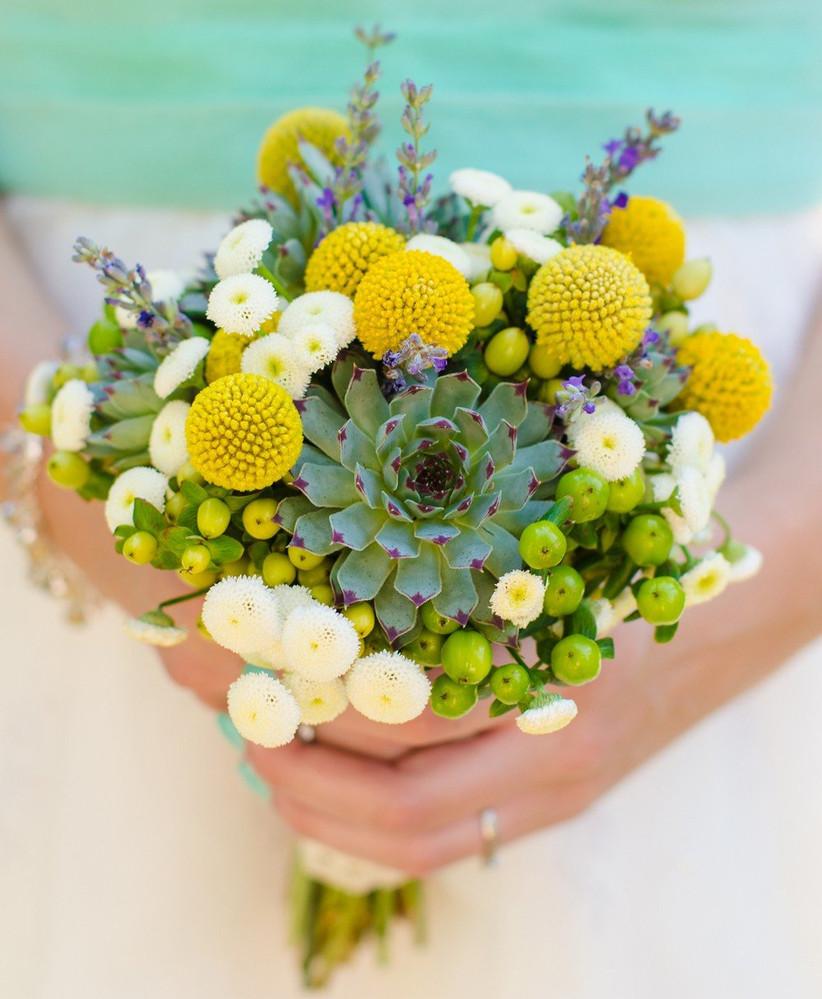 wedding-bouquet-with-craspeida