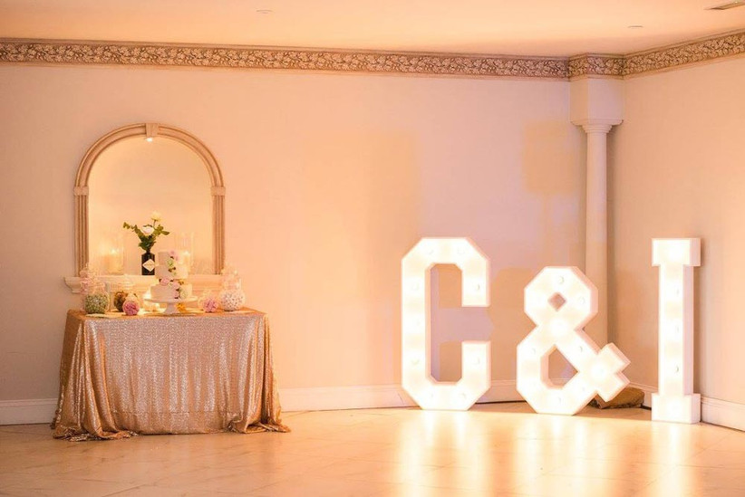 rose-gold-glitter-table-cloth
