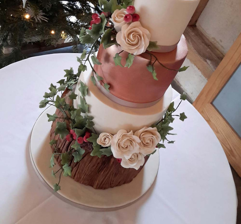 metallic-wedding-cakes-from-willow-and-bloom-cakes