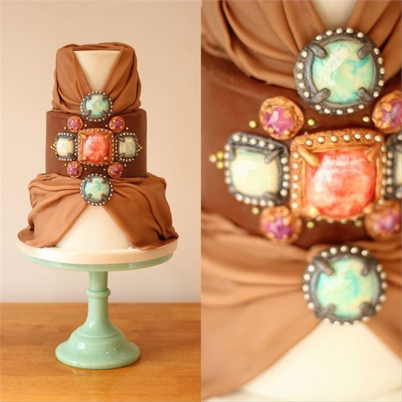 wedding-cake-decorated-with-sugar-paste-gems