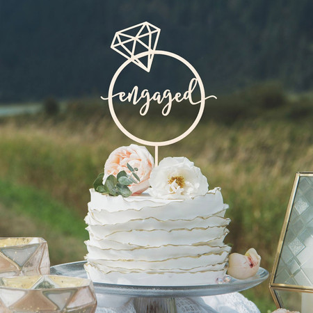 Engagement Cakes and Cake Toppers: Our Favourite Designs