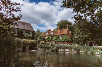 15 Charming Wedding Venues in Berkshire to Fall in Love With