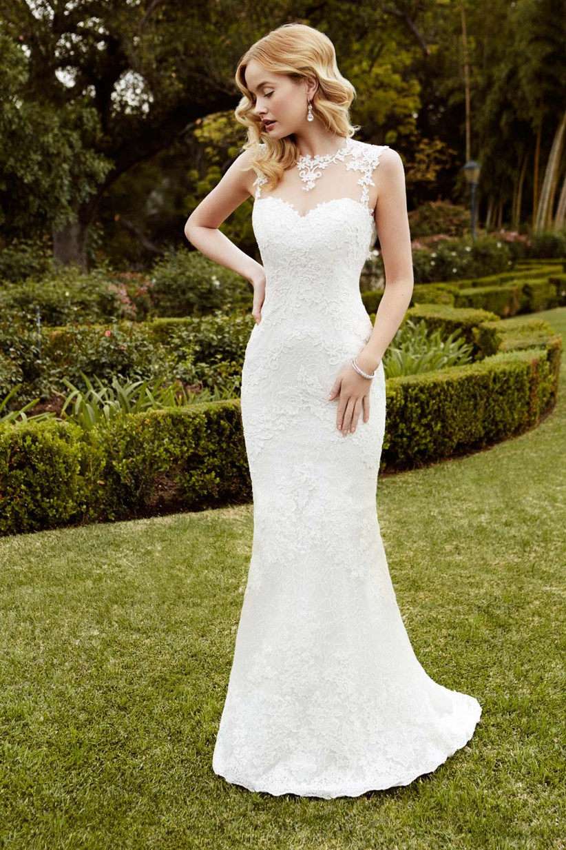 hollywood-style-lace-wedding-dress