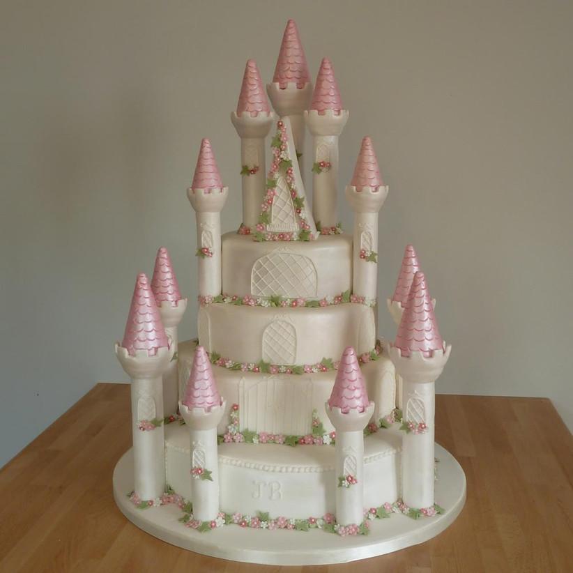 fairytale-castle-wedding-cake