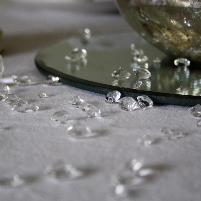 scatter table crystals
