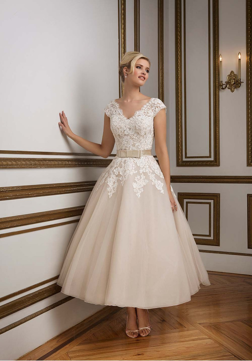 tea-length-beach-wedding-dress-from-justin-alexander-in-a-stylish-champagne-colour