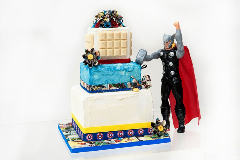 comic-book-superhero-wedding-cake