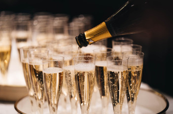 21 Wedding Food & Drink Questions Answered