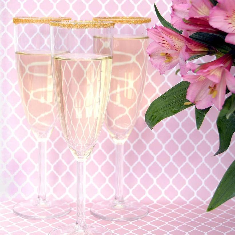 glitter-edged-champagne-glasses