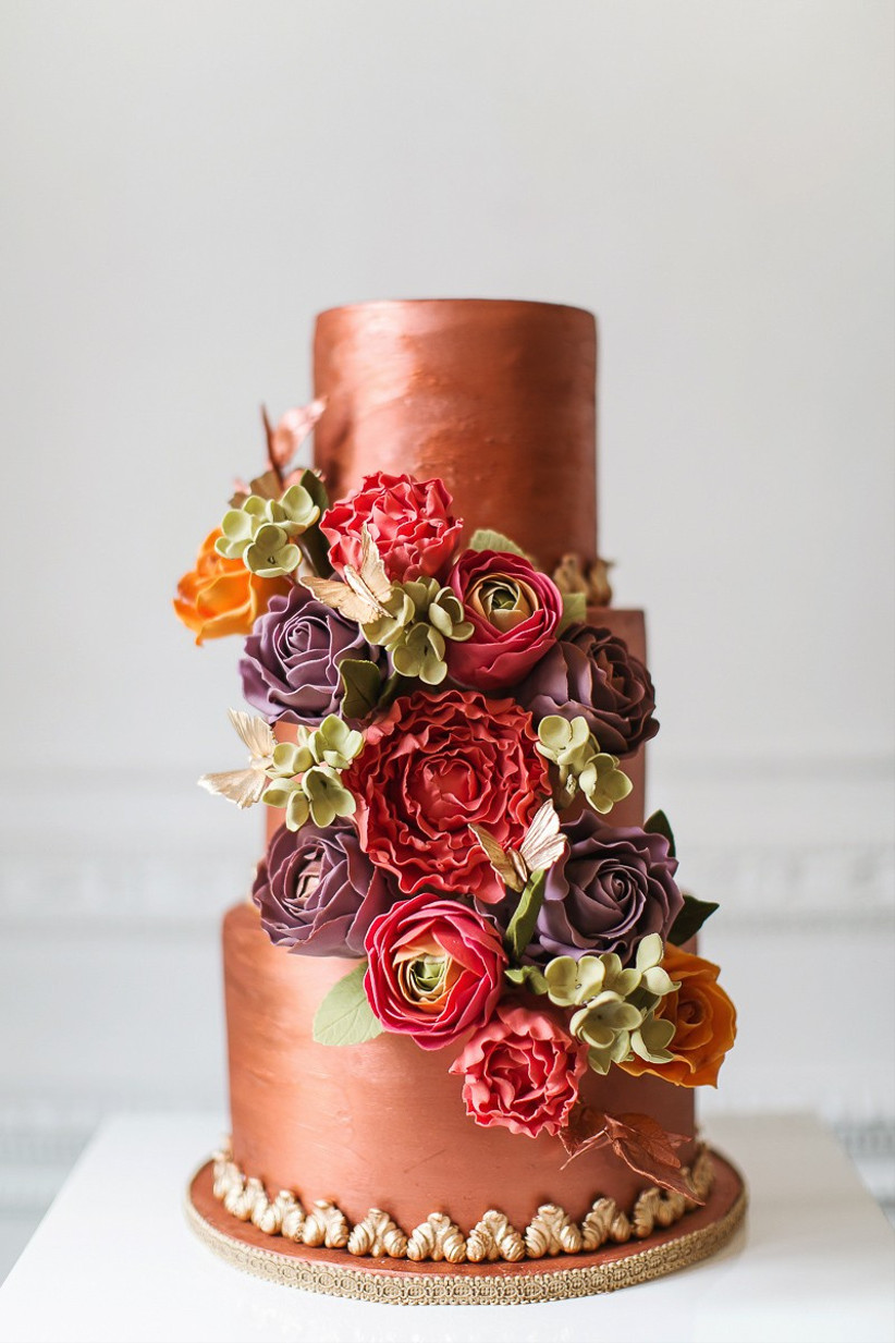 rose-gold-wedding-cake-with-flowers
