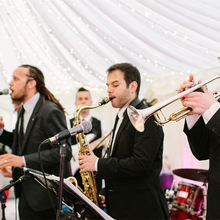 25 Questions to Ask Your Live Wedding Band, Musician or DJ