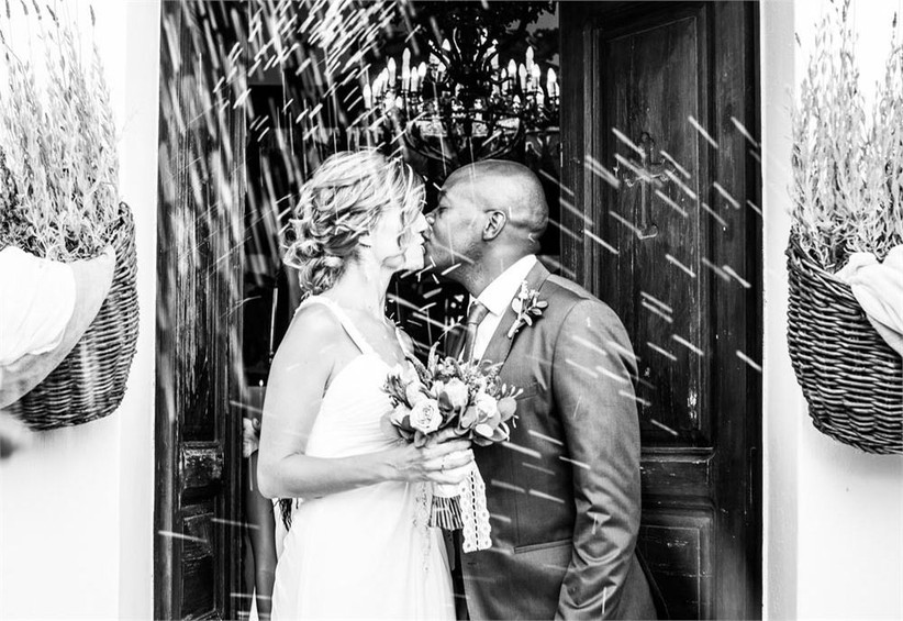 kissing-pictures-wedding-in-the-city-3