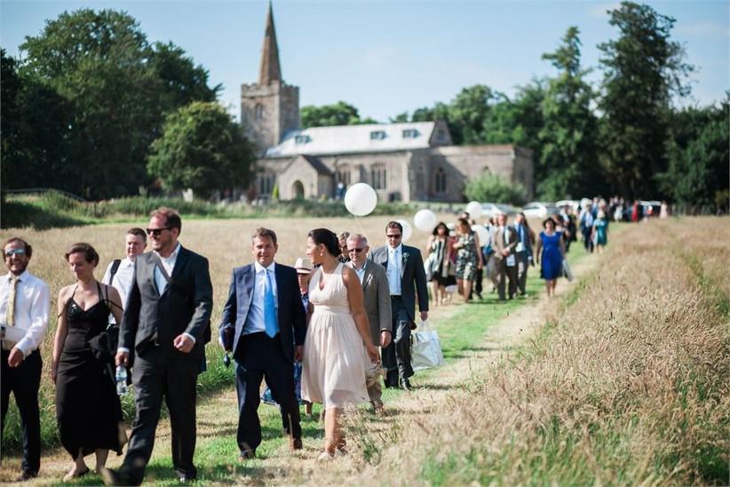 gemma-giorgio-guests-at-wedding-no-ring-no-bring