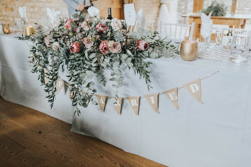 top table bunting