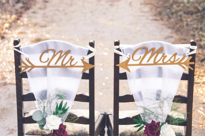 wooden-wedding-chair-decorations
