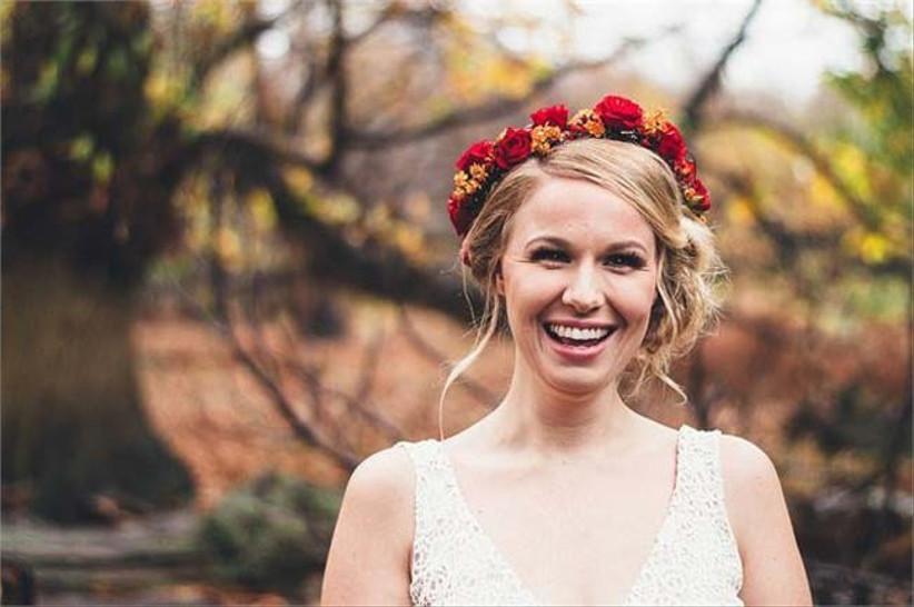 for-wedding-hair-with-flowers-that-is-suitable-for-autumn-we-love-this-red-and-orange-flower-crown-2