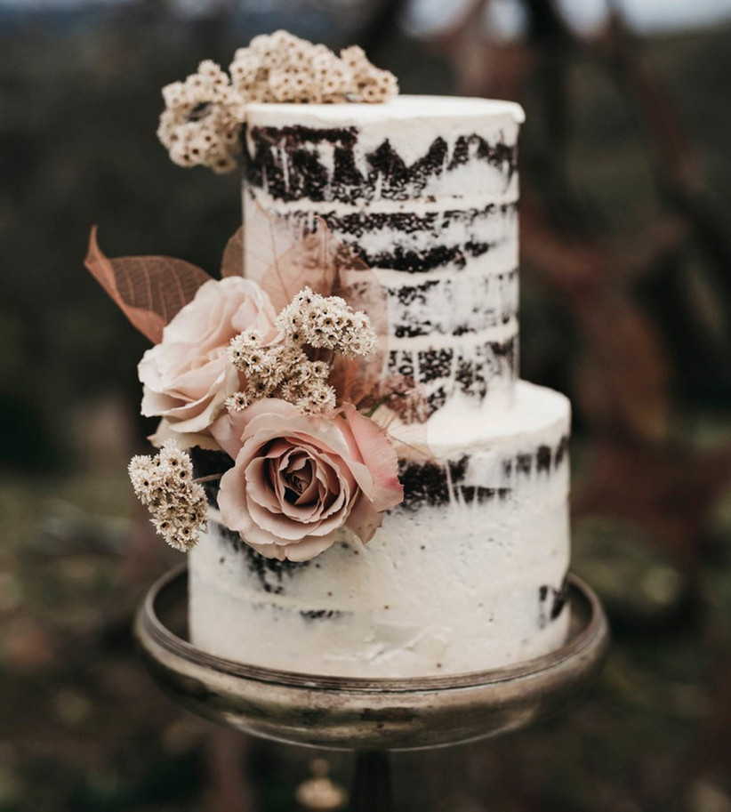 36 Naked Wedding Cakes for Stylish Celebrations