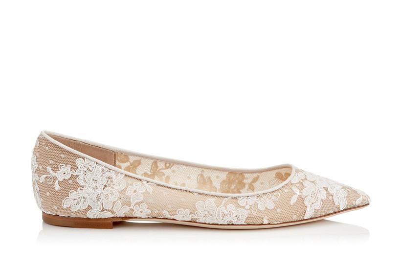 Flat lace bridal shoe