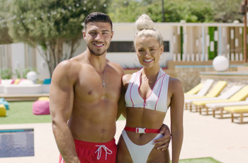 Which Love Island Couple Are You? Take the Quiz to Find Out!
